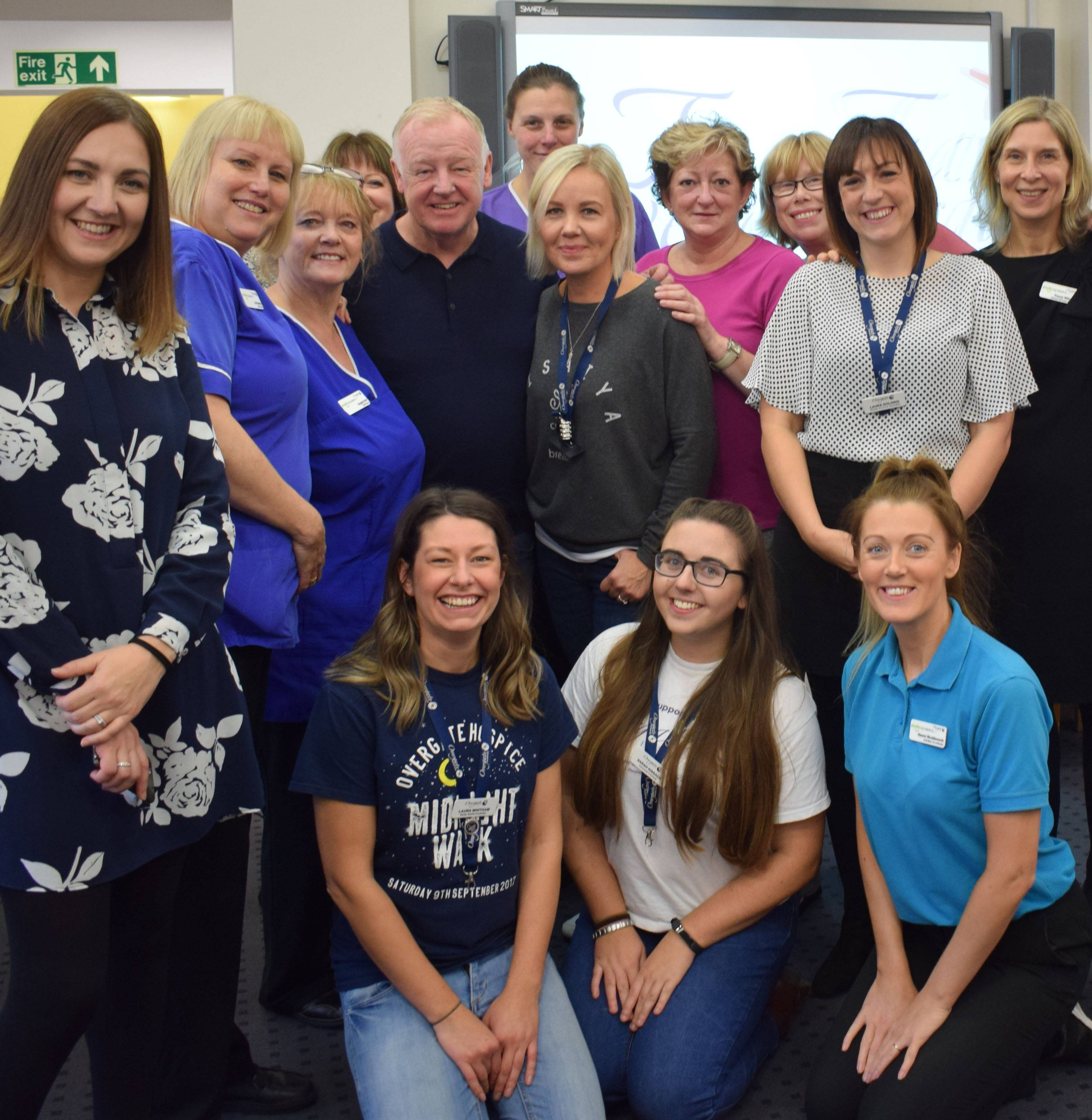 Les Dennis visits the Hospice